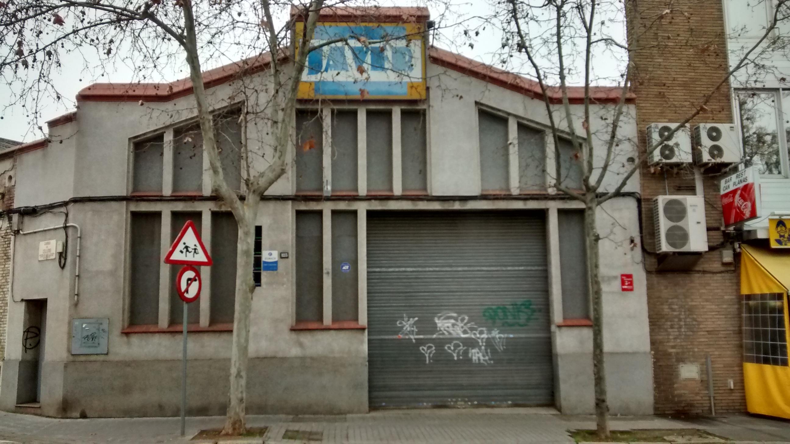 Conjunto de 4 naves independientes en Sabadell de 3.013 m2 en alquiler o venta